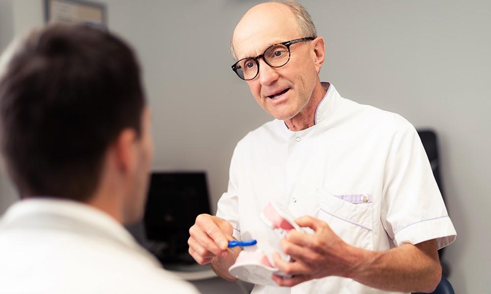 Dr Thomas Schweitzer